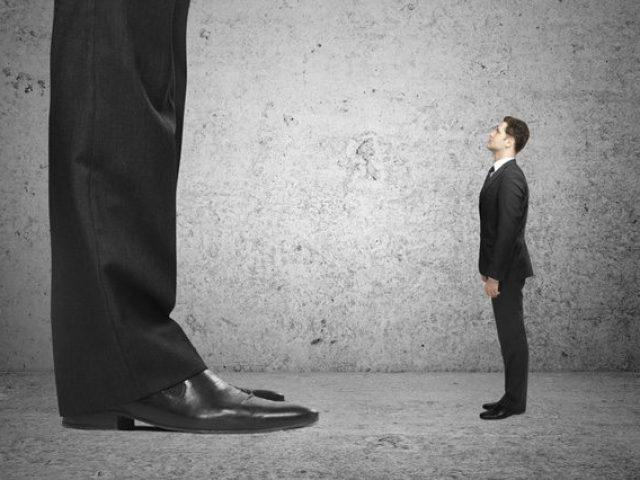 Je lepší být makléřem v malé nebo velké kanceláři?